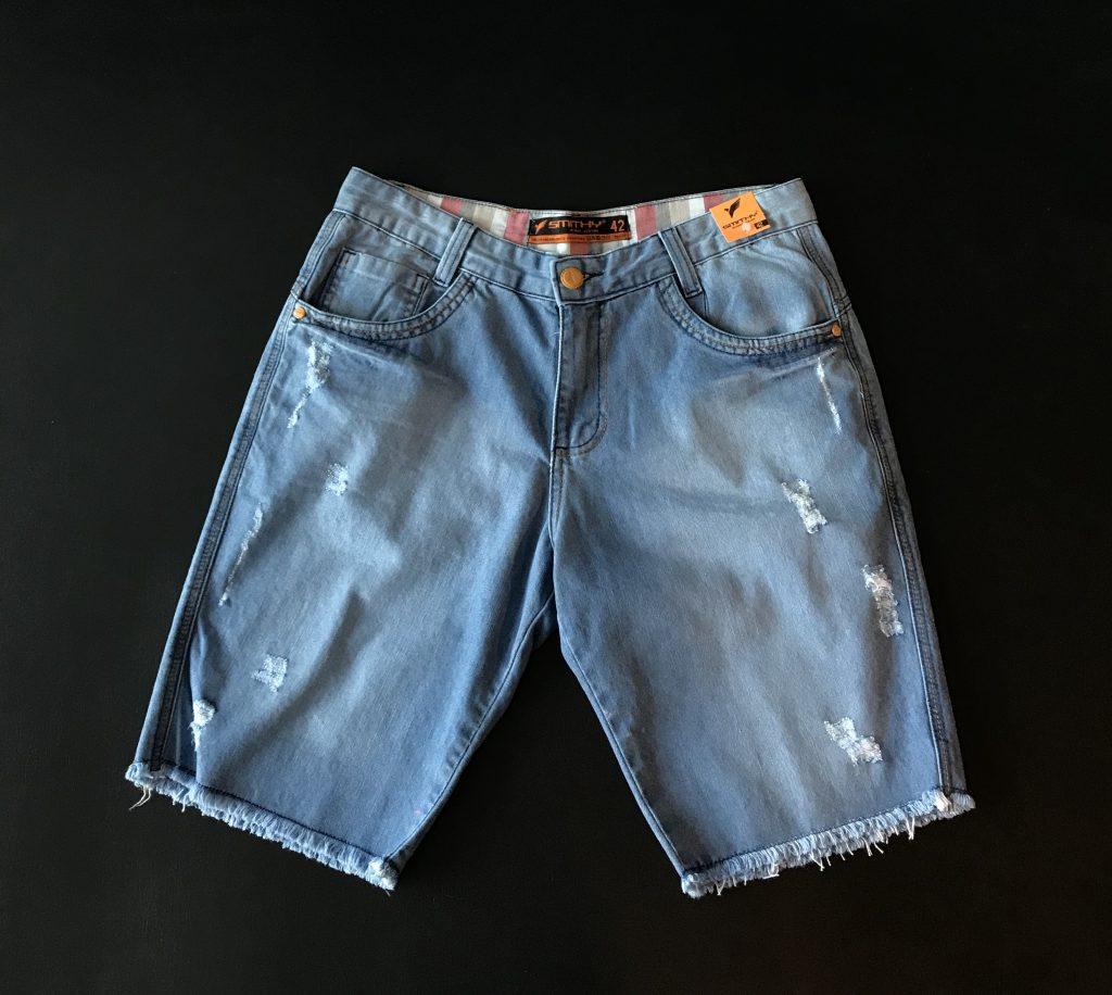 Bermuda jeans ponta desfiada