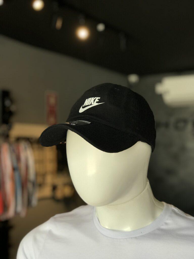 Bone Refletivo Nike