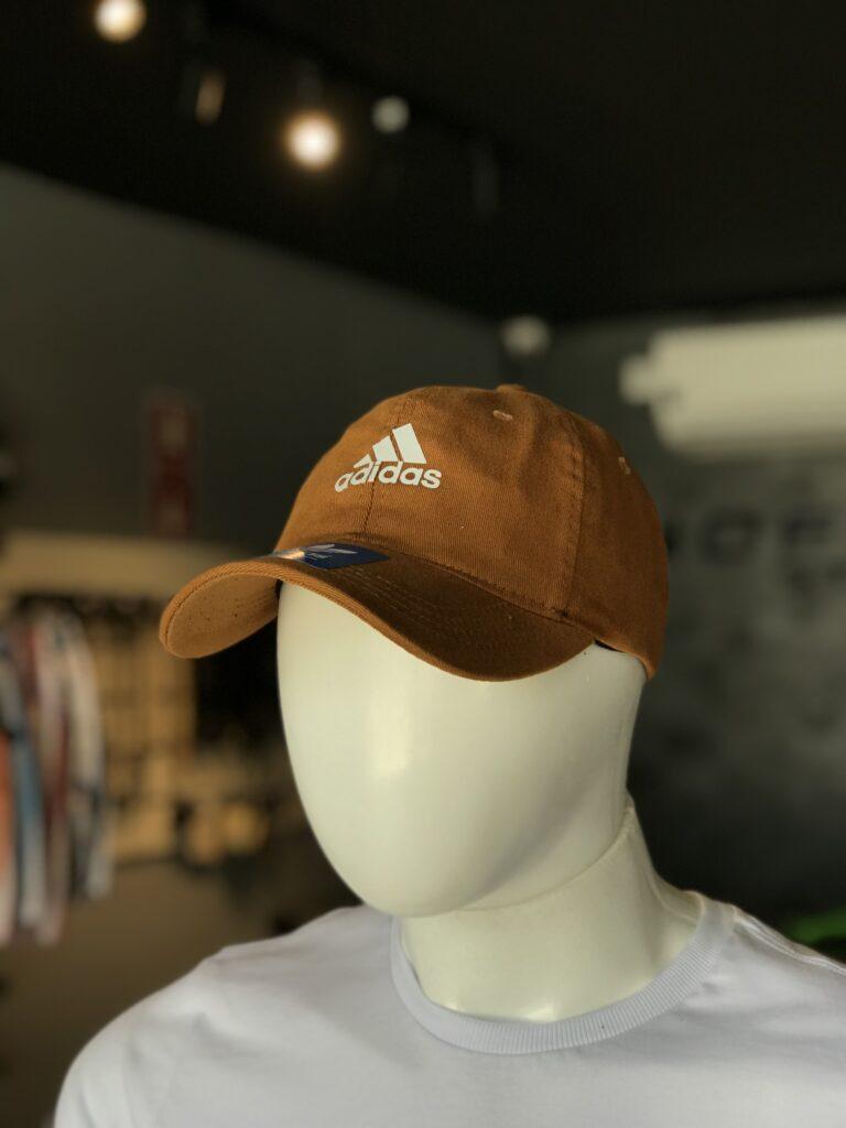 Bone Refletivo Adidas Liso