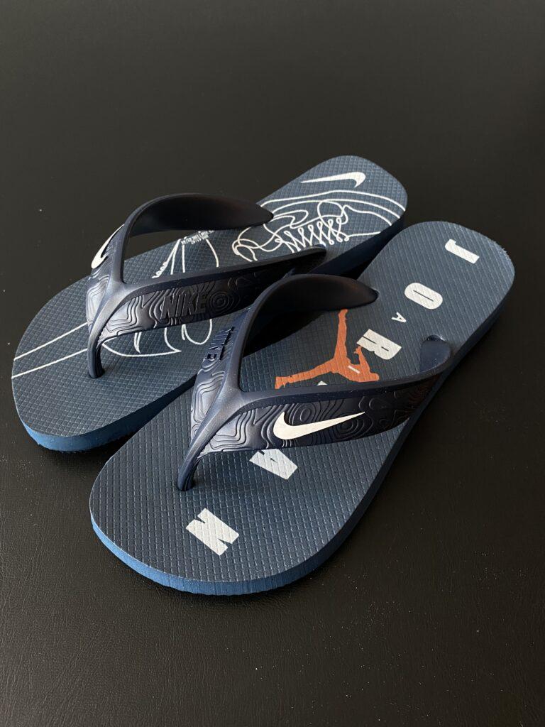 Sandália azul marinho Nike Air Jordan