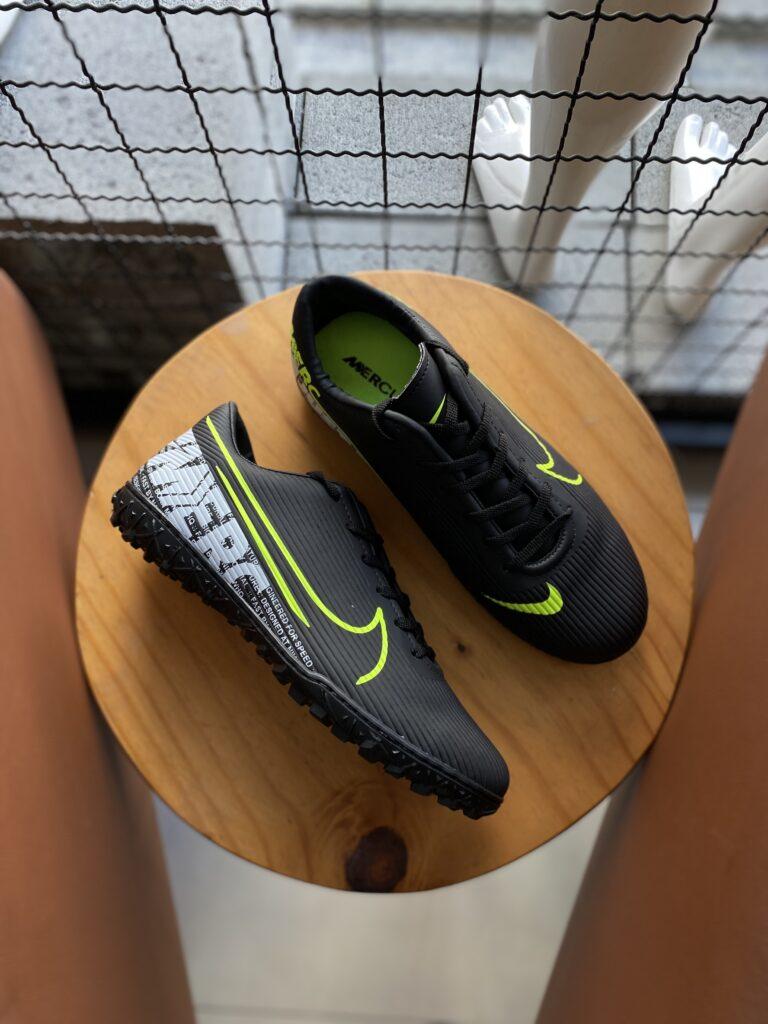 Chuteira Society Nike Preta