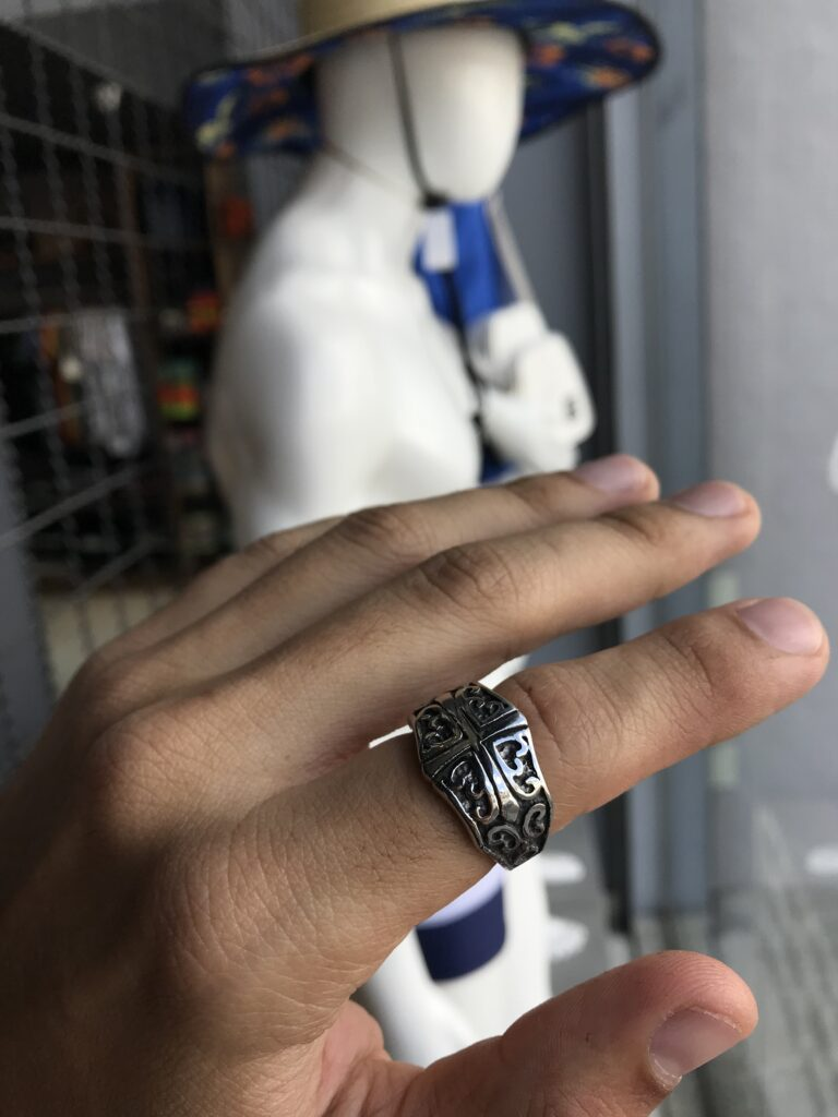 Anel cruz detalhes aço inoxidável prata
