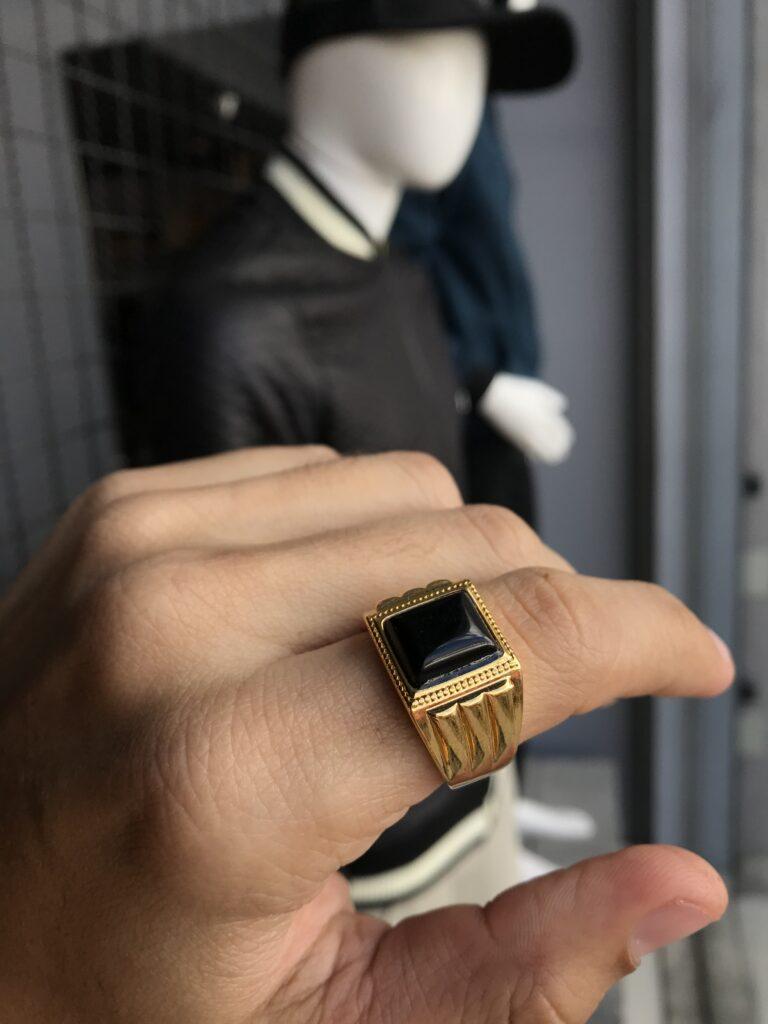 Anel dourado pedra única preto regulável aço inoxidável