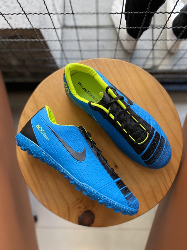 Chuteira Society Nike Azul