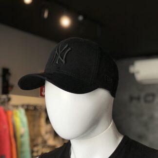 Boné New Era Flexfit todo preto