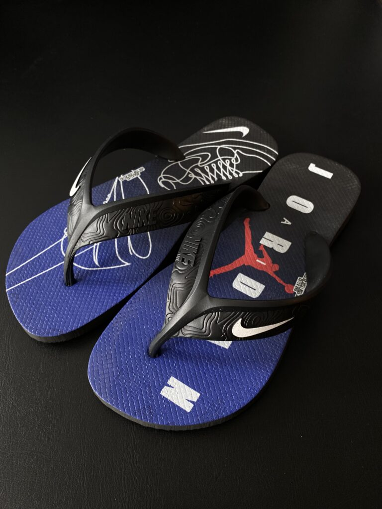 Sandália Nike Air Jordan preta e azul